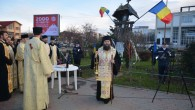 Luni, 22 decembrie, la Troiţa din faţa Casei de Cultură a Tineretului, Preasfinţitul Episcop Sebastian, împreună cu un sobor de preoţi şi diaconi, a oficiat slujba Parastasului pentru eroii căzuţi […]