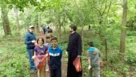 """Vineri, 5 iunie, la Centrul Educaţional Caracal, Pr. Coconu Ionuţ (coordonator) şi Pr. Marin Leonard (specialist educaţie) au susţinut o activitate despre ecologie, intitulată """"Un parc mai curat pentru noi […]"""