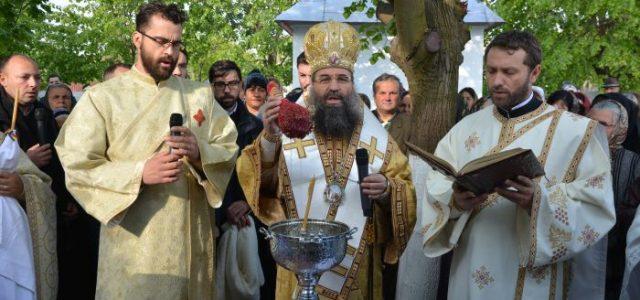 Duminică, 23 aprilie, Preasfințitul Episcop Sebastian a retârnosit biserica închinată Sfântului Ierarh Nicolae din Parohia Gostavățu II. În cuvântul de învățătură, la sfârșitul Sfintei Liturghii, Preasfinția Sa a tâlcuit Evanghelia […]