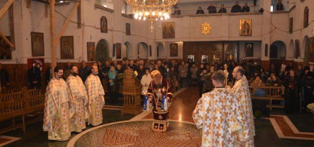 Marți, 21 noiembrie, când se prăznuieşte Intrarea Maicii Domnului în Biserică, Preasfinţitul Părinte Sebastian a slujit Sfânta Liturghie la catedrala episcopală. În cuvântul de învăţătură, Preasfinţia Sa a arătat importanţa […]