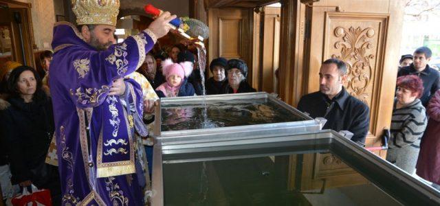 Sâmbătă, 6 ianuarie, în ziua praznicului Bobotezei, Preasfințitul Episcop Sebastian a săvârșit Sfânta Liturghie și sfințirea Aghiasmei Mari la catedrala episcopală. La final, în cuvântul de învățătură, Preasfinția Sa a […]