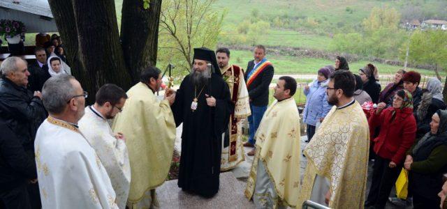 Duminică, 14 aprilie, Preasfințitul Episcop Sebastian a slujit Sfânta Liturghie în biserica Parohiei Turia, com. Valea Mare. În cuvântul de învățătură, Preasfinția Sa a vorbit despre puterea pocăinței de a-l […]
