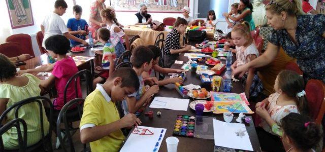 """În zilele de 12 și 13 august a.c., la Centrul Cultural – Misionar ,,Doamna Maria Brâncoveanu"""" din Municipiul Caracal, au fost organizate activități recreative cu copiii de la Școlile Gimnaziale […]"""
