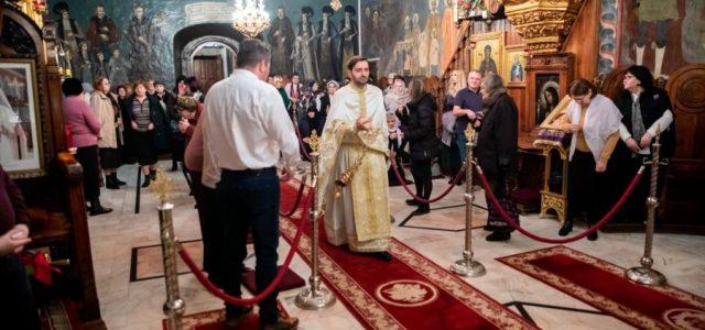 Având în vedere că, din 17 iunie 2020, o serie de limităriși interdicții care privesc viața cetățenilorîncetează, în consultare cu autoritățile de stat competente, Patriarhia Română transmite următoarele îndrumări către […]